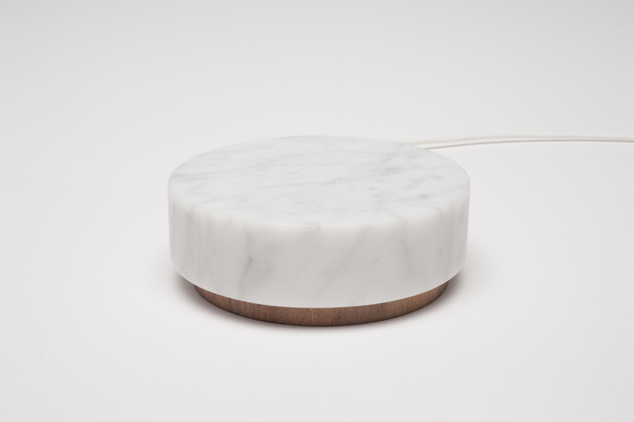Oree-Marble-Pebble-phone-power
