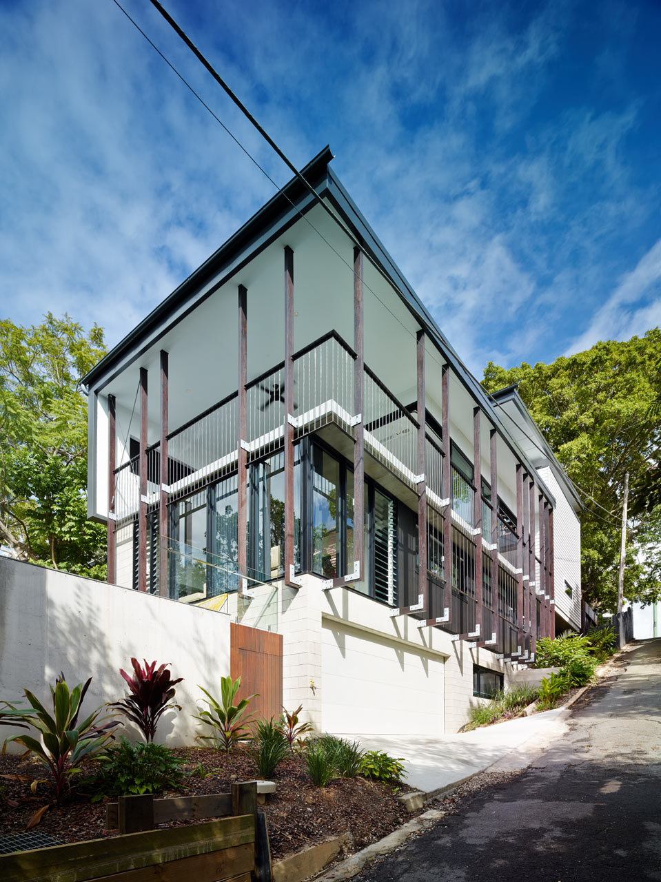 "backReturn to ""Contemporary Home in Historical Australian Neighborhood"""