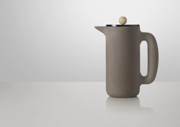 Push-Coffee-maker-Muuto-Mette-Duedahl-2-wood