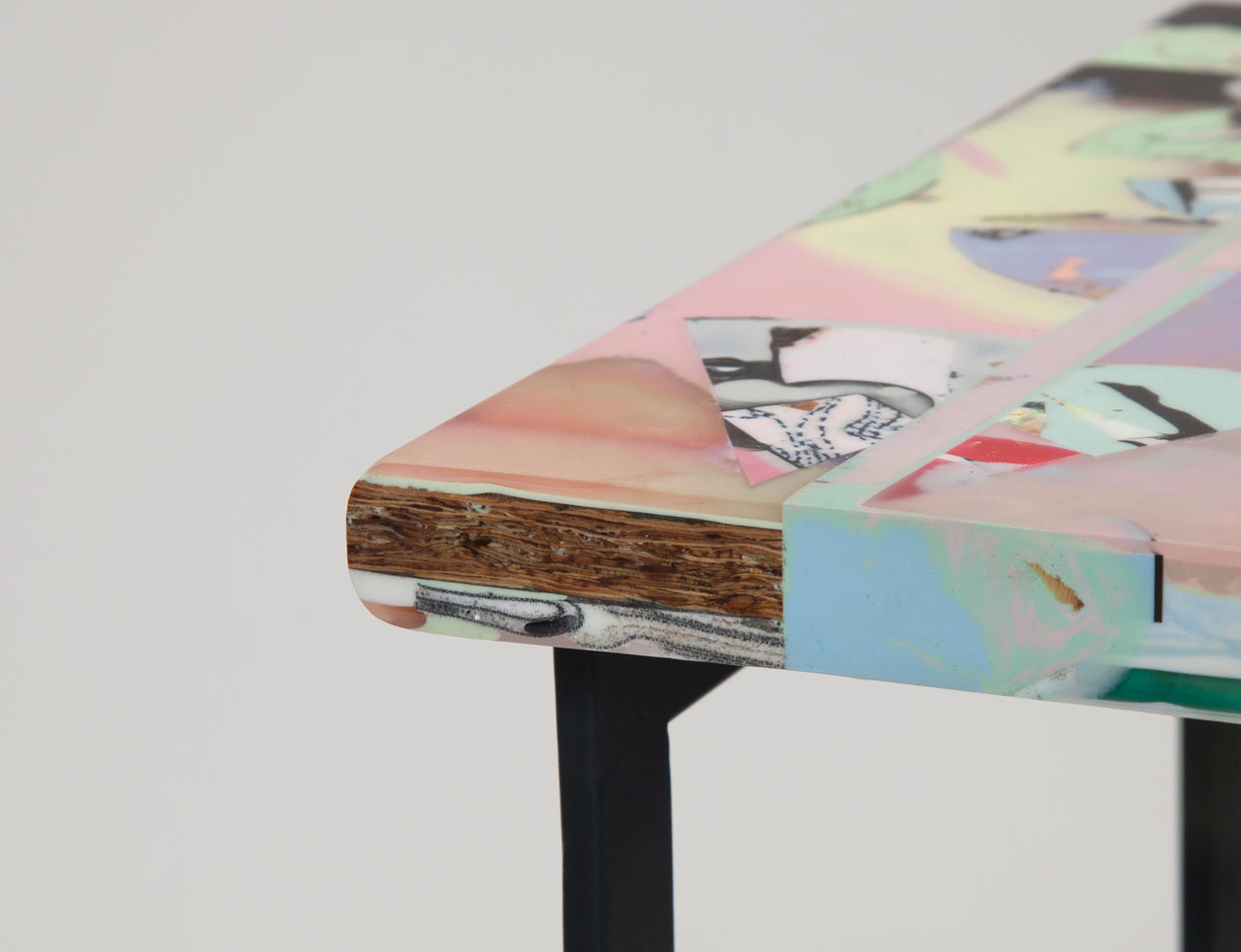 Resin-Stool-Chen-Chen-Kai-Williams-4