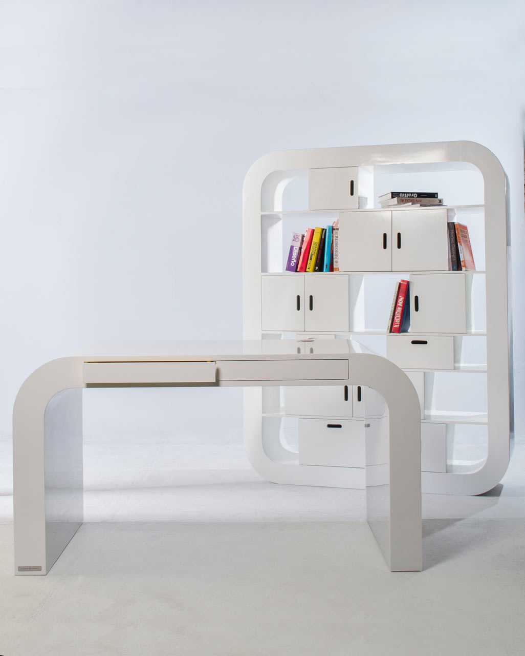 Signalement-Furniture-4
