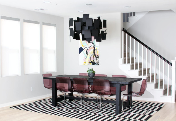ingo-maurer-zettelz-5-chandelier-black-rectangle-dining-room