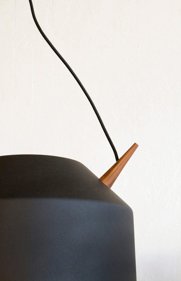 reeno-suspension-lamp-black-detail
