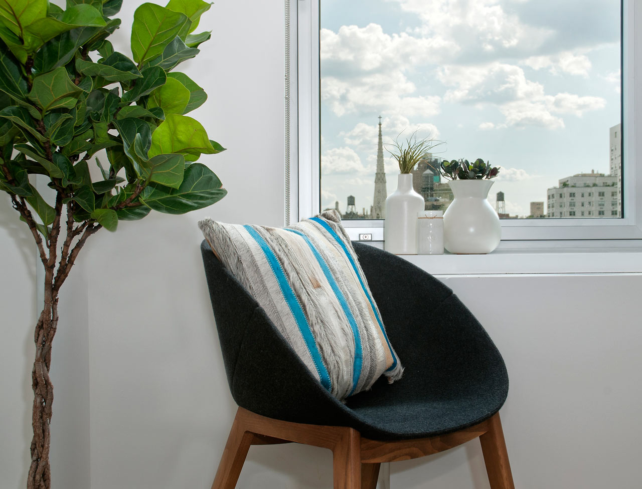 window-seat-indoor-plant