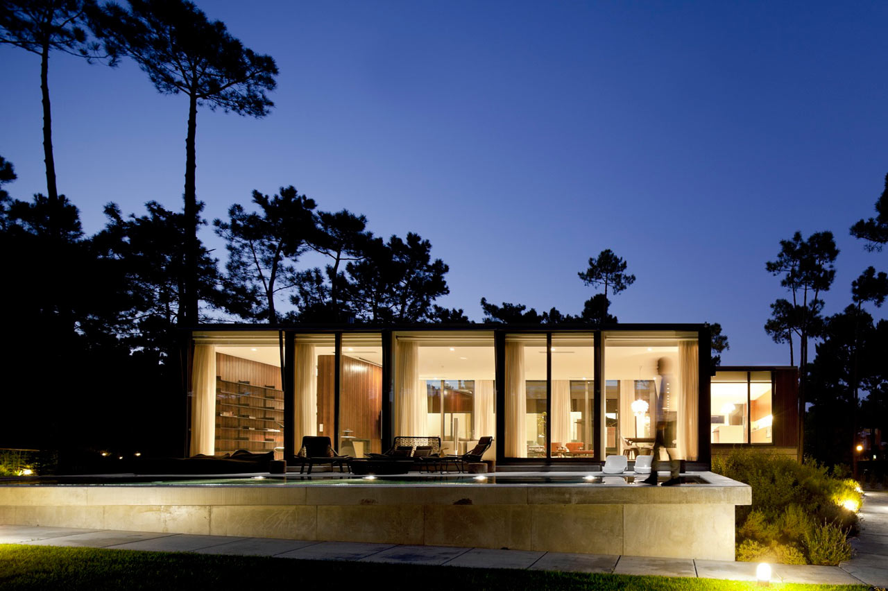 High Quality A Portuguese U Shaped House Built With The Elements In Mind ...