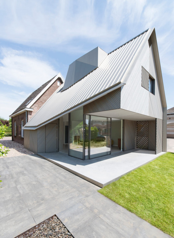 A Contemporary Addition to an Existing Dutch House