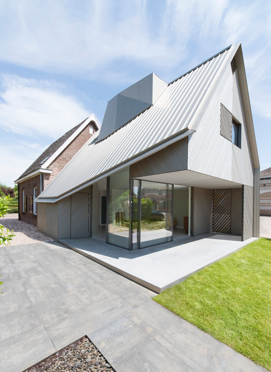 A contemporary addition to an existing dutch house for House architecture