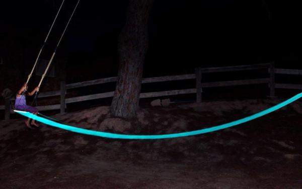 LED-Tree-Swing-German-Gonzalez-Garrido-3