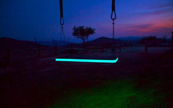 LED-Tree-Swing-German-Gonzalez-Garrido-5