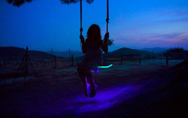 LED-Tree-Swing-German-Gonzalez-Garrido-7