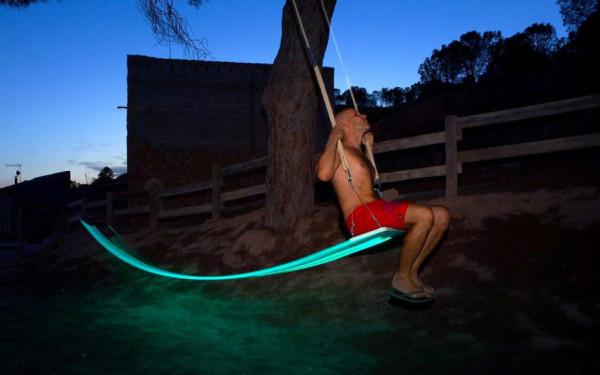 LED-Tree-Swing-German-Gonzalez-Garrido-9
