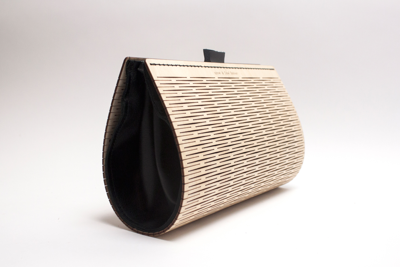PLAAT: A Bag Made of Laser Cut Wood