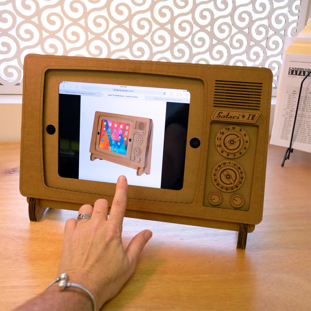 Как сделать из телевизора ноутбук