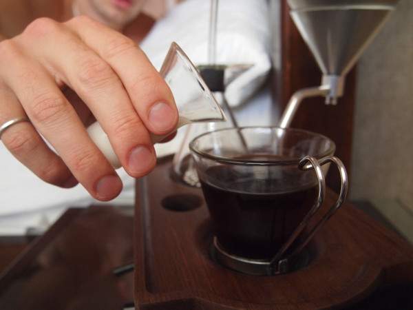 The-Barisieur-coffee-alarm-clock-12