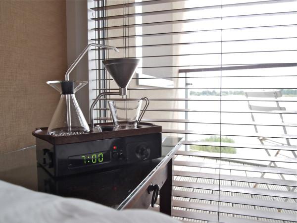 The-Barisieur-coffee-alarm-clock-13