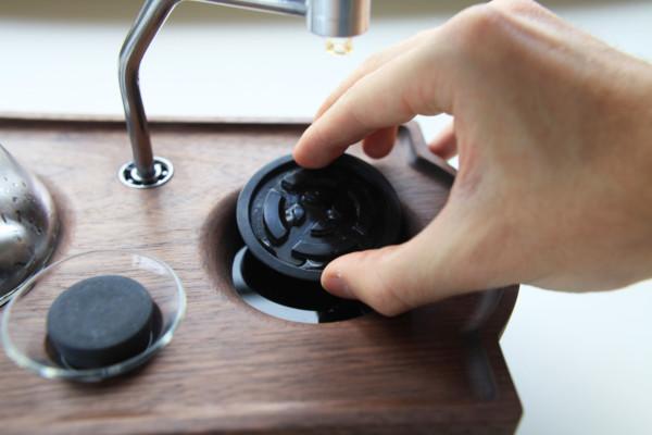 The-Barisieur-coffee-alarm-clock-3