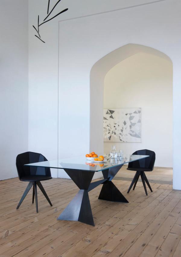 Tom-Faulkner-Echo-Chair-Table-3