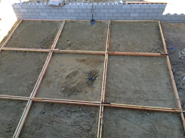 backyard-concrete-forms