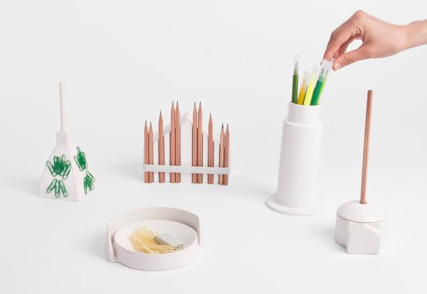using-tiny-buildings-desktop-stationery-souvenir