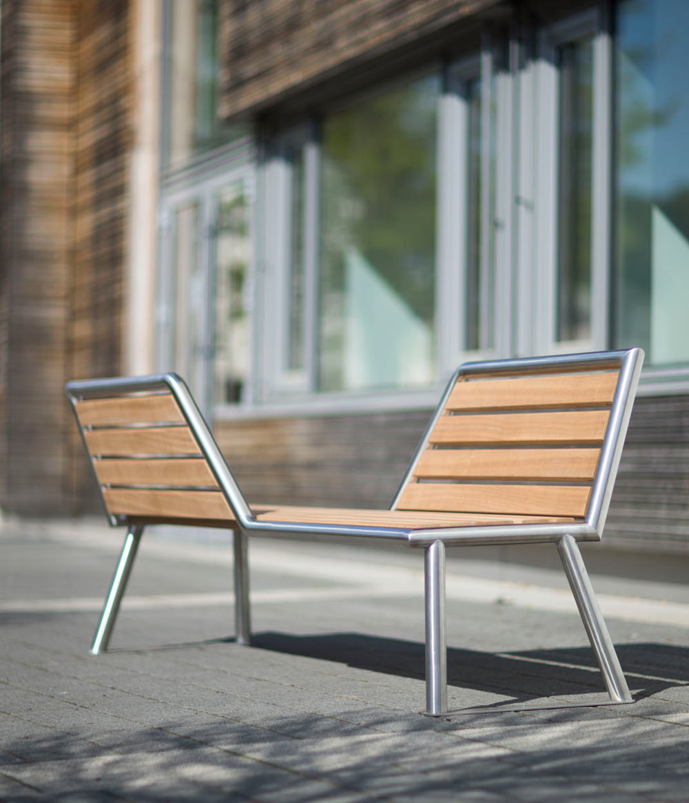vis-a-vis: A Park Bench with Opposing Views