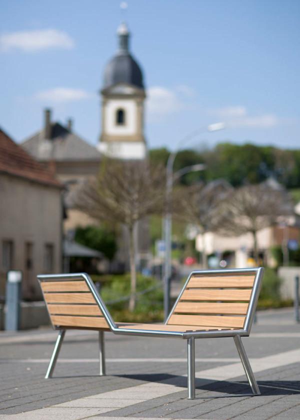 vis-a-vis-park-bench-ABES-2