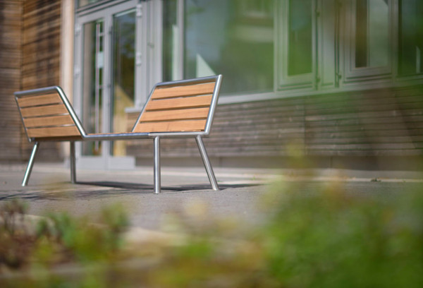 vis-a-vis: A Park Bench with Opposing Views - Design Milk