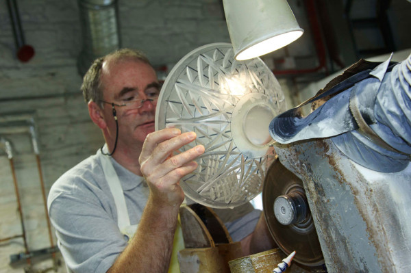 waterford-crystal-cutting