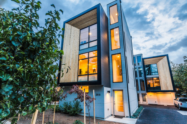 Modern prefab townhomes in west seattle design milk for Prefabricated homes seattle