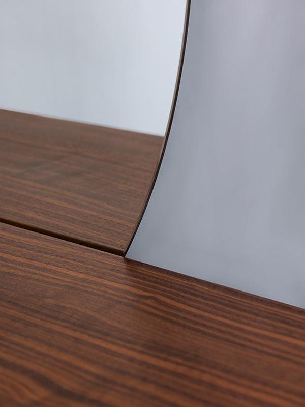 Dressing-Table-Florian-Schmid-4-CARLA