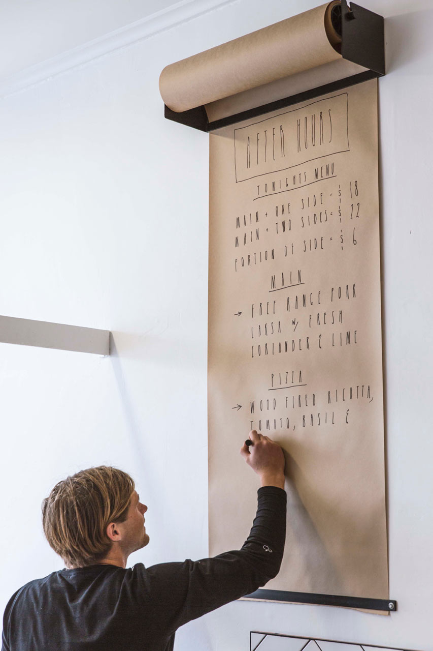 wallmounted kraft paper roll dispenser