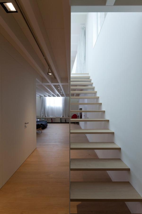 Poblenou-Barcelona-Loft-2-Planell-Hirsch-8