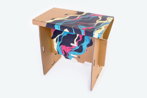 Refold_Portable-cardboard-desk-Matt-Innes-10
