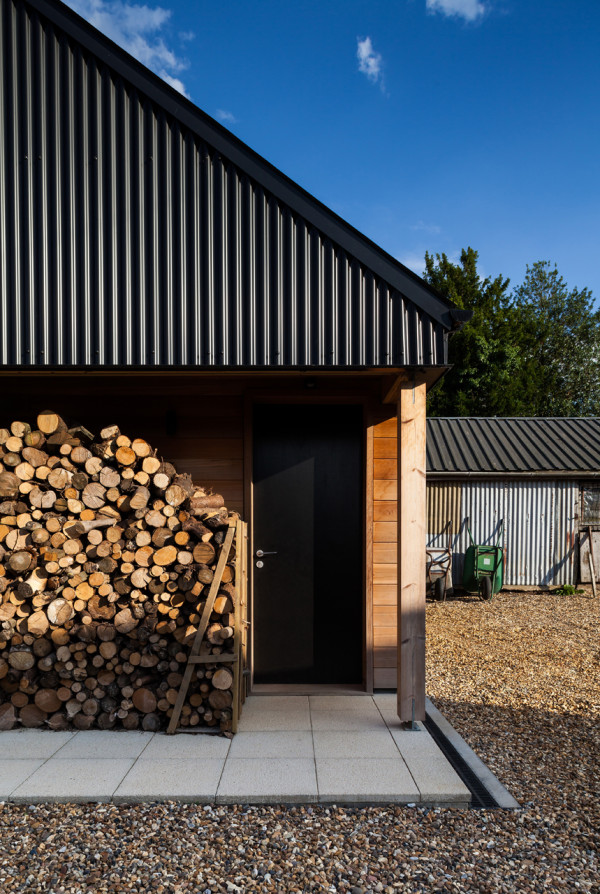 Stackyard-House-Mole-Architects-10