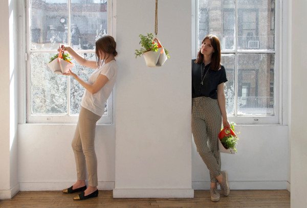 The-Garden-Apartment-Nomad-herb-planter-3