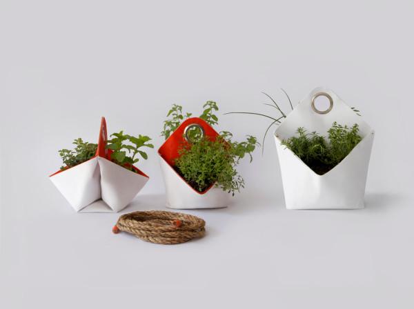 The-Garden-Apartment-Nomad-herb-planter-6