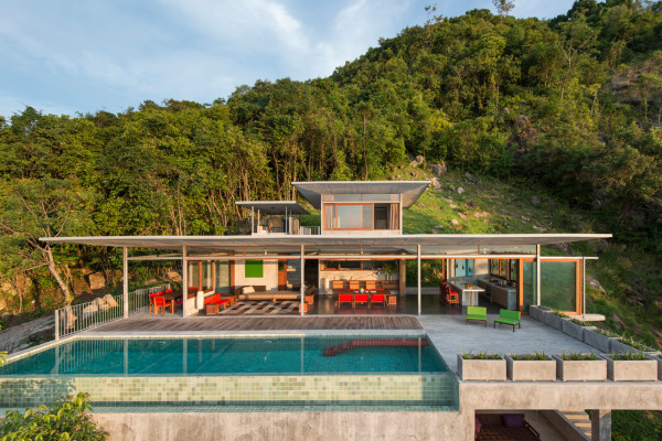 The Naked House: A Quiet Retreat in Thailand