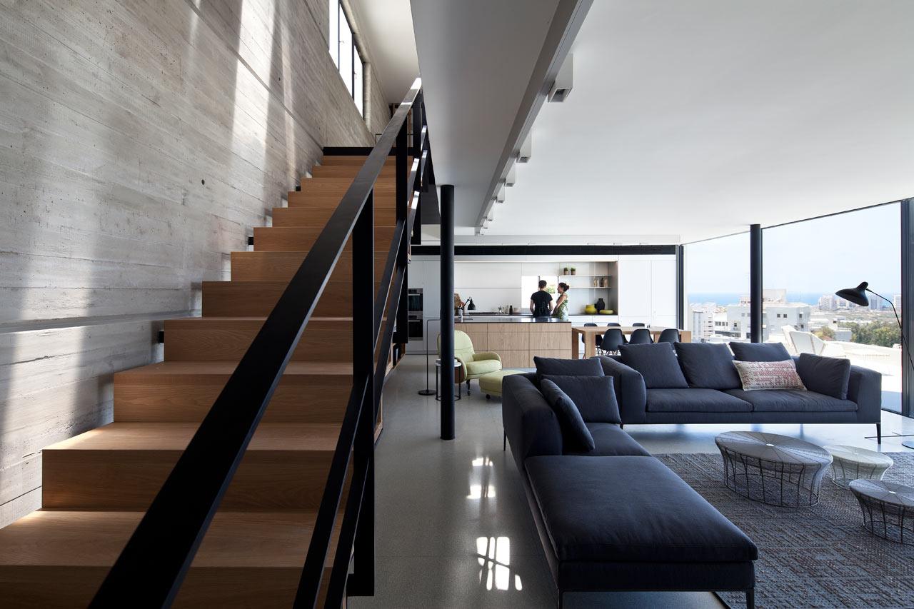 A Duplex Penthouse Apartment by Pitsou Kedem Architects