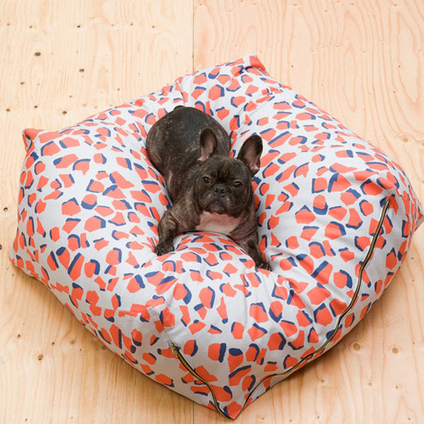 Gift-Guide-Dog-3-Urbanest-dog-bed