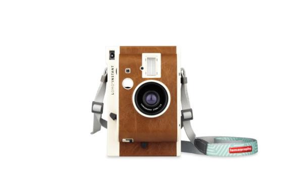 Gift-Guide-Tech-04-Lomo'Instant-Sanremo