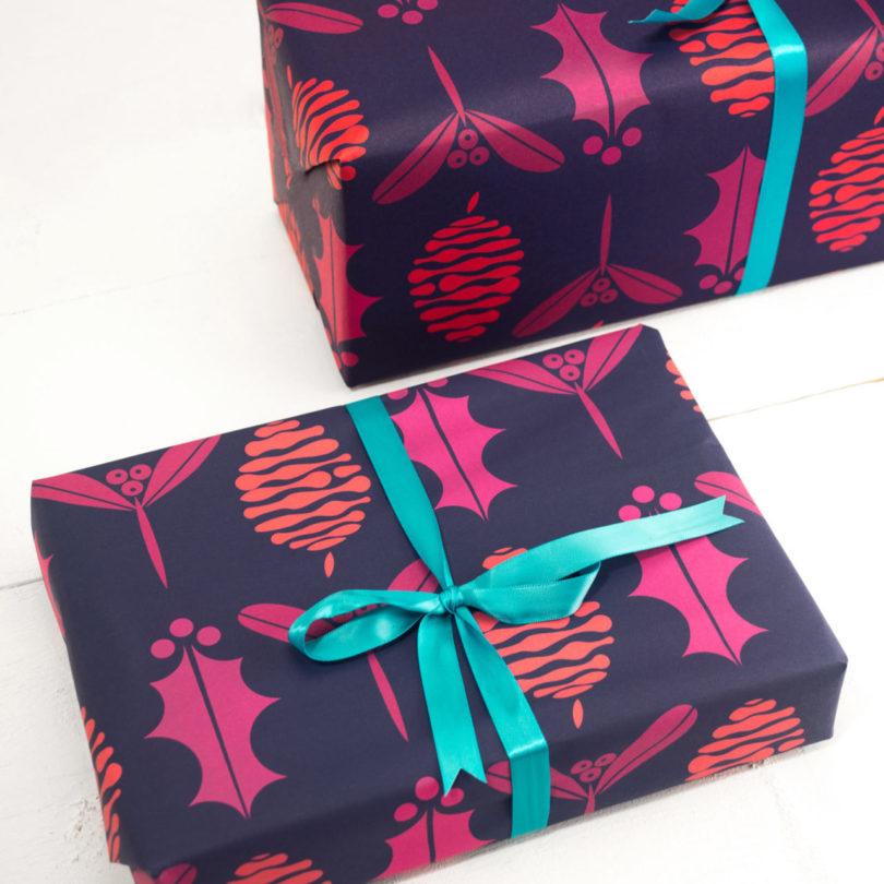 holiday-giftwrap-christmas-fir-cone-gift-wrap