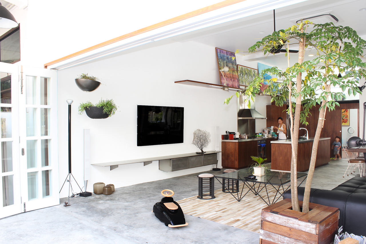 Modern terrace house in singapore for Terrace house singapore