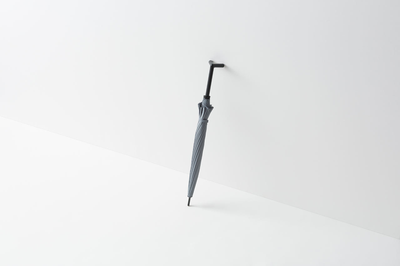 An Umbrella With a Handle That Helps it Stay Put