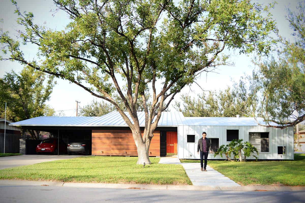 A modern renovation of a 1950 39 s house in texas design milk for House 1950