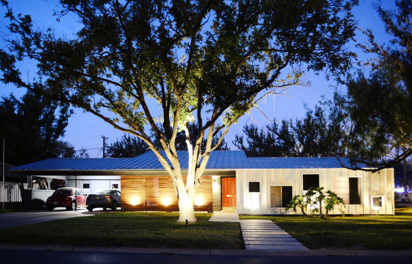 A Modern Renovation of a 1950s House in Texas in main architecture  Category