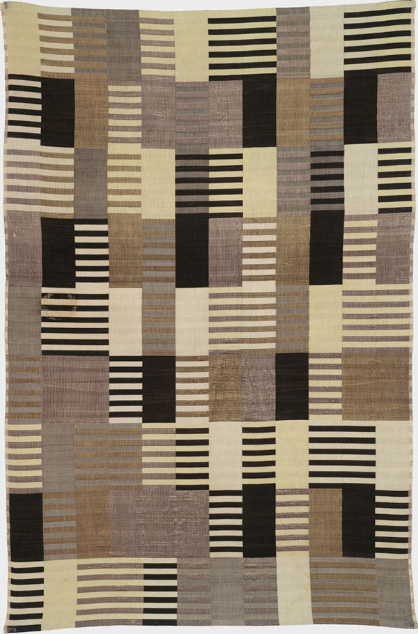 "Anni Albers, Wall hanging. 1926, Silk (three-ply weave). 70-3/8 x 46-3/8"", Harvard Art Museum, Busch-Reisinger Museum. Association Fund, Photo: Katya Kallsen © President and Fellows of Harvard College, © 2009 The Josef and Anni Albers Foundation / Artists Rights Society (ARS), New York."