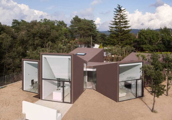 A Sculptural House Designed Around the Landscape in main architecture  Category