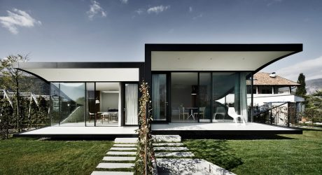 The Mirror Houses: A Pair of Holiday Homes in Bolzano, Italy