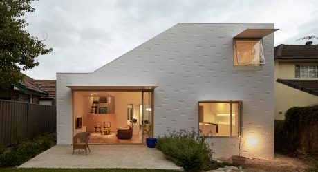 A Courtyard House on a Suburban Block in Sydney
