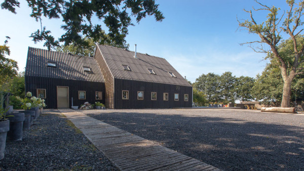 aatvos-Donderen-Barnhouse-6