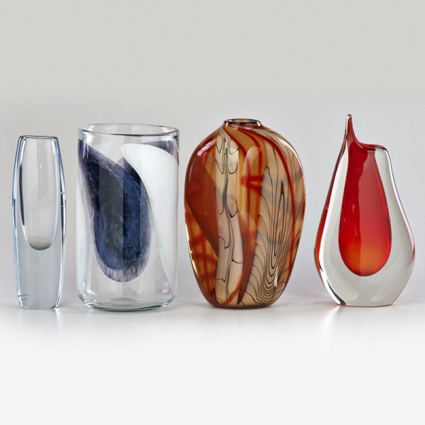 rago-lot-1121-glass-vases
